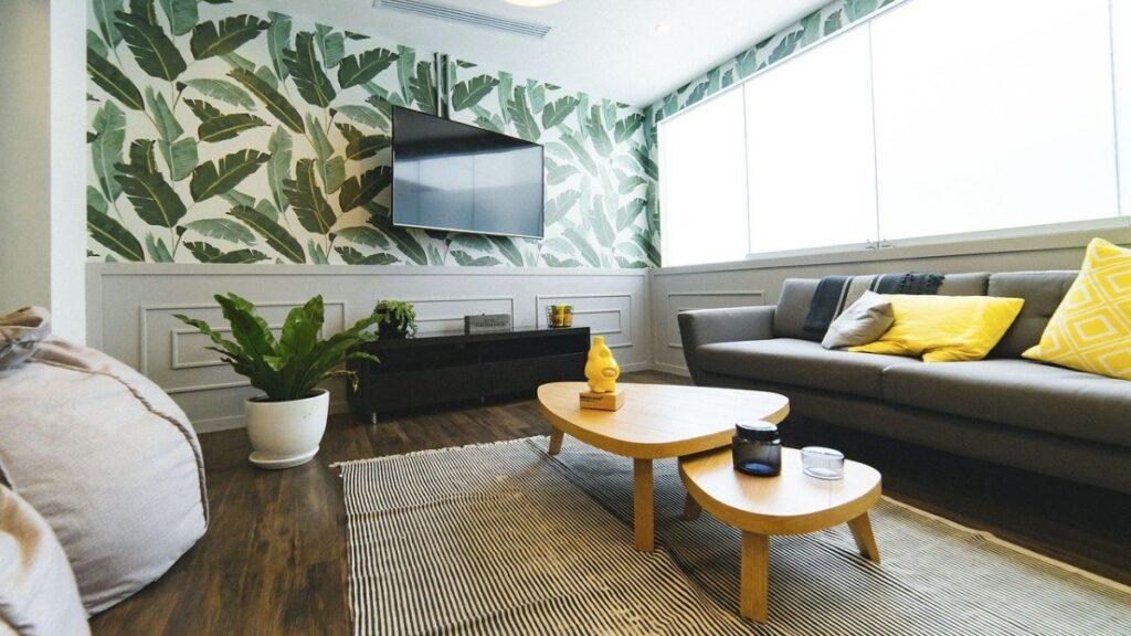 salon zielony tapeta w liście