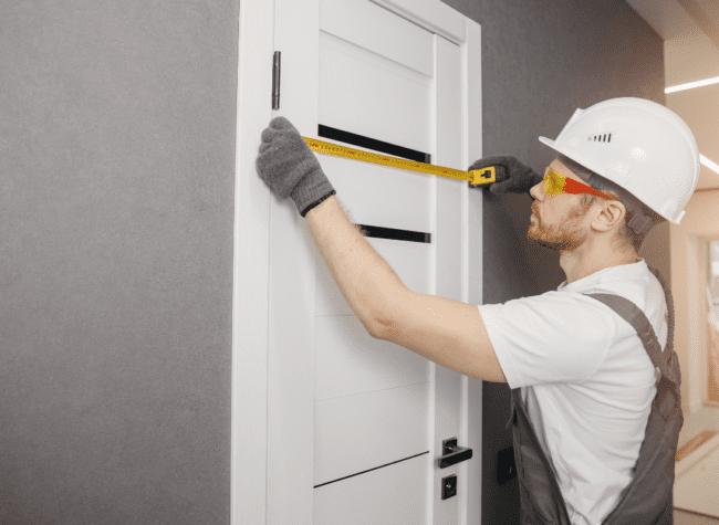 montaż drzwi wewnętrznych