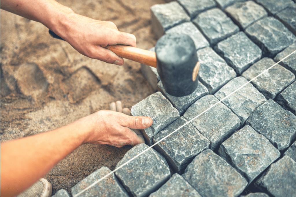 Budowa tarasu z kostki brukowej