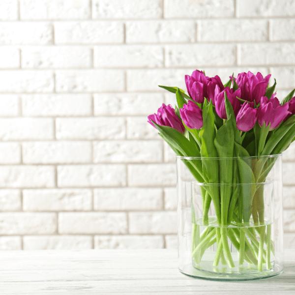 Kwiaty w wazonie obraz główny