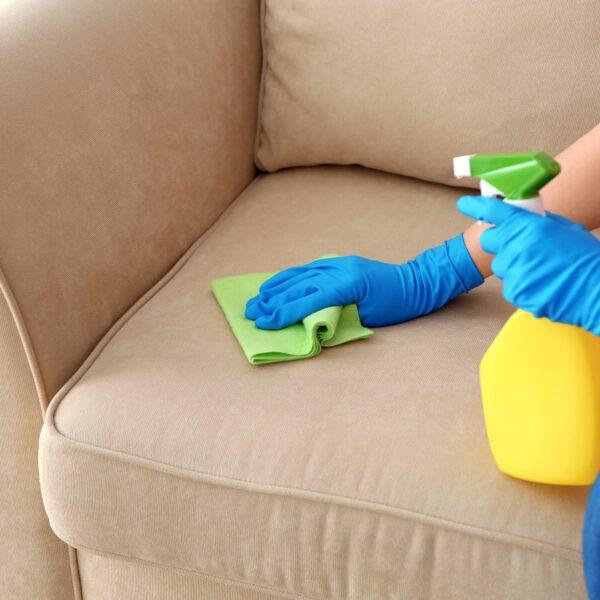 czyszczenie kanapy metody