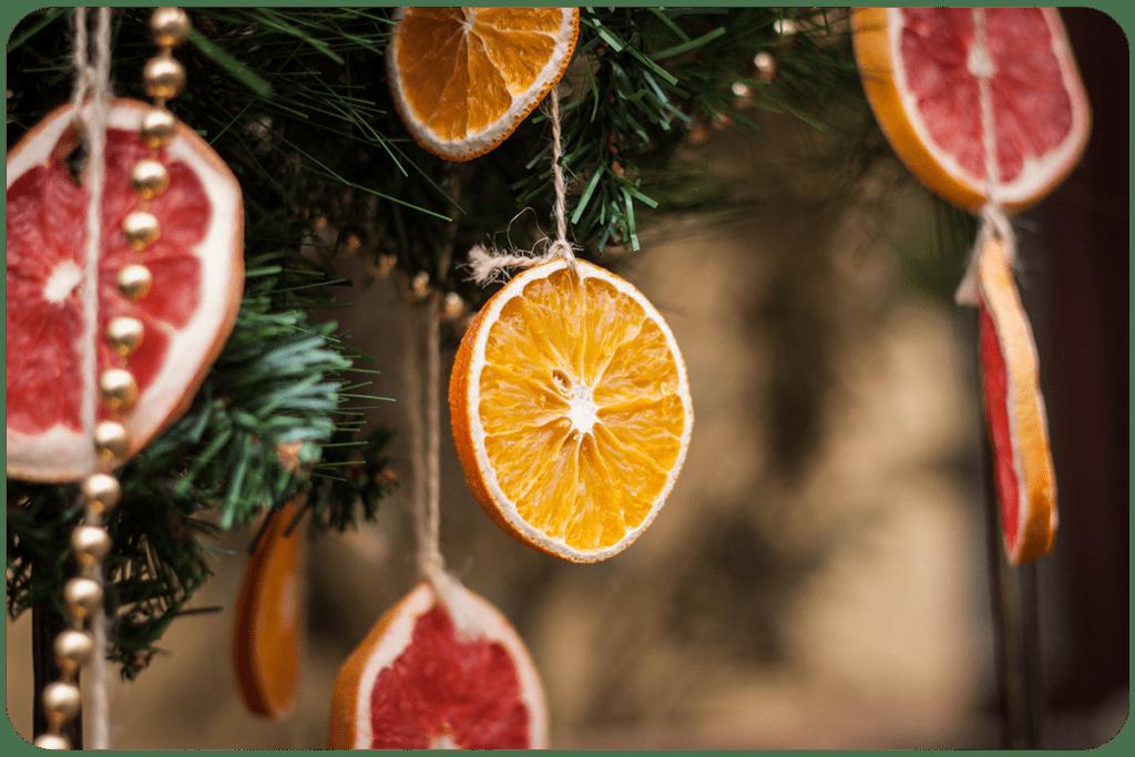 suszone pomarańcze jako ozdoba