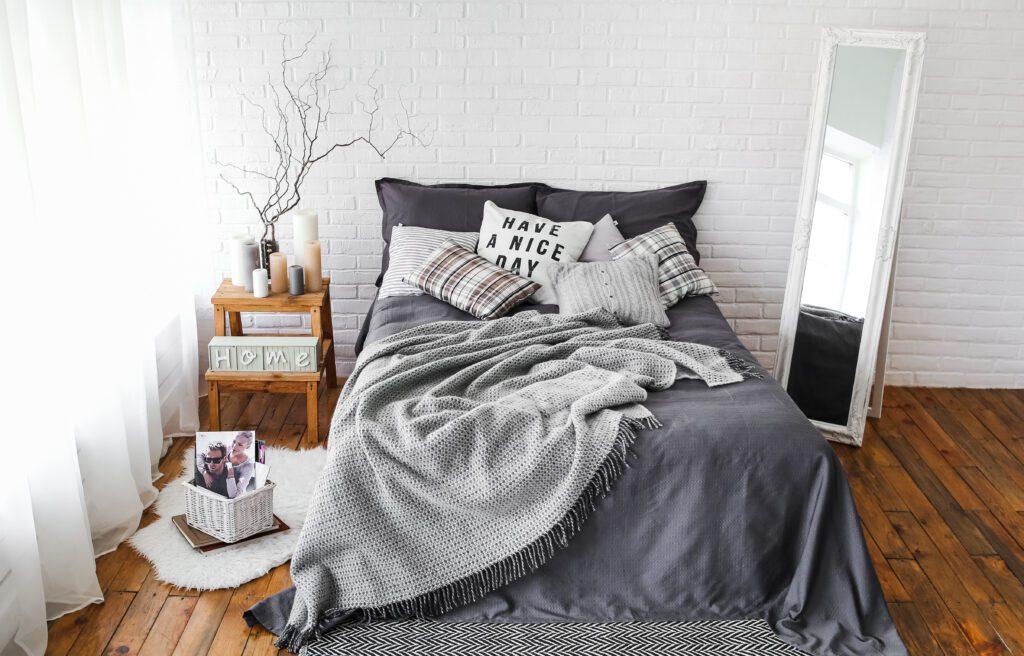 sypialnia skandynawska drewniana