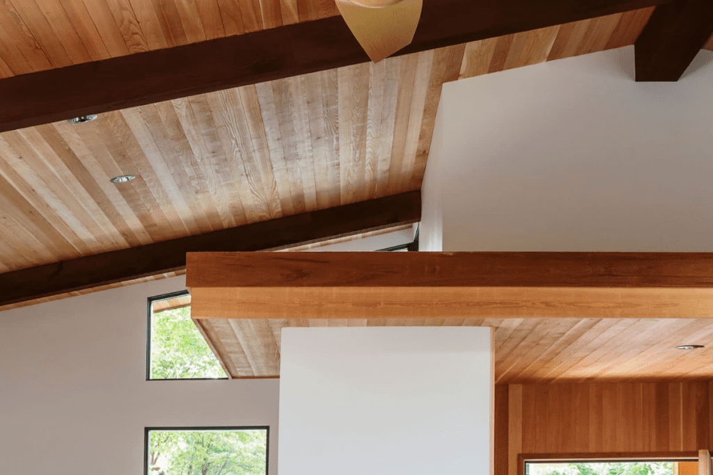 Sufit z drewna