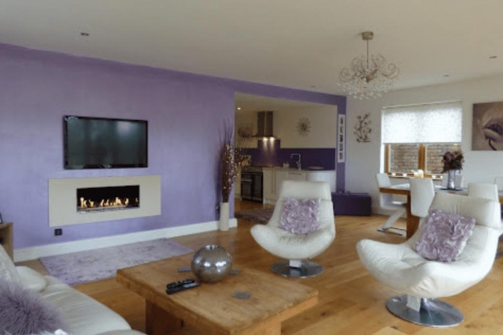 Salon w kolorze lawendowym